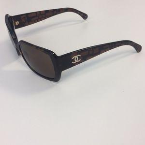 Chanel sunglasses dark tortoise frame w brown Lens